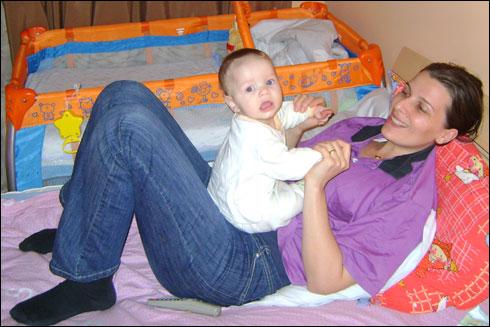 Mama si copilul emil capraru